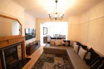 3 bed property to rent in Popes Lane, Ealing, W5