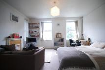 Studio flat to rent in Gordon House...