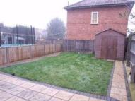 2 bed property in Browning Avenue, Hanwell...