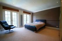 Apartment to rent in Park Hill, Ealing, W5