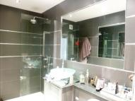 4 bedroom Apartment in Park Hill, Ealing, W5