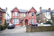 Flat to rent in Leopold Road, Ealing, W5
