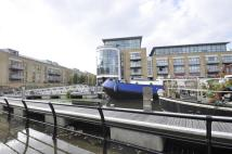 Apartment to rent in Town Meadow, Brentford...