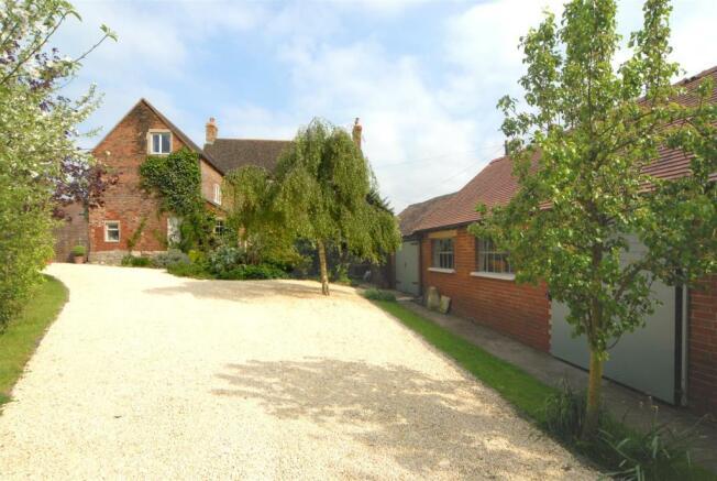 IM18 Haresfield Farm