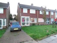 3 bed semi detached house in Meadow Walk, Whitstable