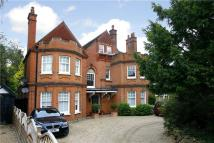 2 bedroom Flat in Ditton Road, Surbiton...