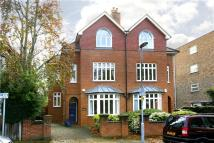 5 bed semi detached property in St. Andrews Square...