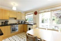 3 bedroom Town House to rent in Dumbleton Close...