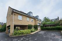 Apartment to rent in Fulmar Close, Surbiton...