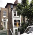 Flat to rent in CHELSHAM ROAD, London...