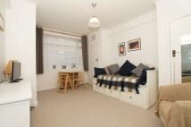 Studio apartment in Balham High Road, London...