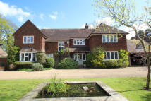 5 bedroom Detached house in Woodland Avenue...