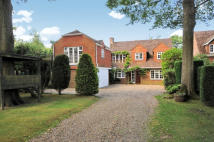 4 bed Detached house in Plaistow, RH14