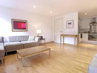3 bedroom Flat in Cavendish Mansions...