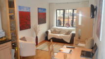 Town House to rent in Whitefriars Wharf...