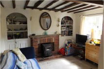 2 bed Cottage in Coopers Lane, TN11