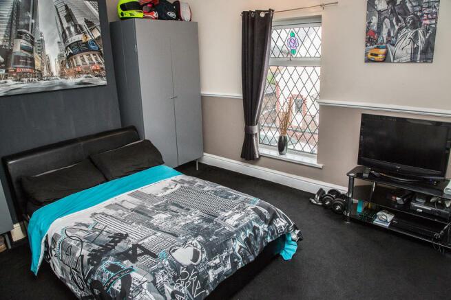 Bedroom One S64 9...