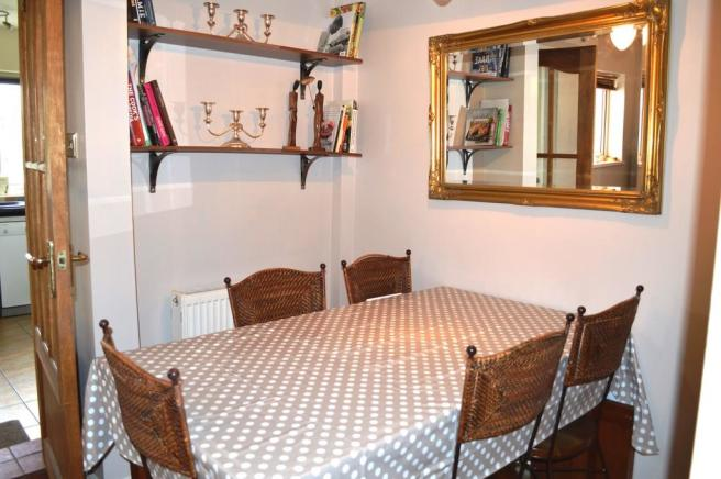 Dining Room S66 7...
