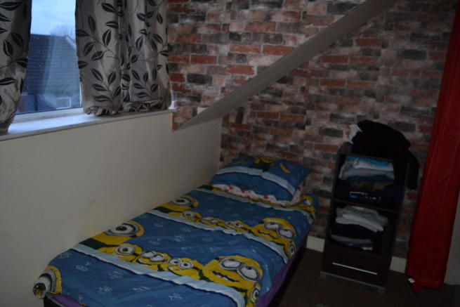 Attic Room to Fro...
