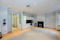 3 bedroom house in Biddulph Mansions...