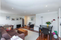 Flat to rent in Stafford Mansions...