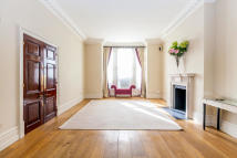 2 bed property to rent in Addison Crescent, London