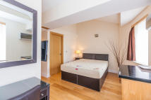Leinster Square Flat to rent