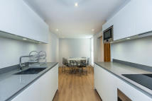2 bed property in Connaught Place, London