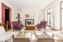 5 bedroom home in Kensington Park Gardens...