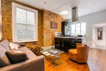 1 bed Flat to rent in Broomwod Road, London