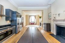 3 bedroom property in Addison Crescent, London
