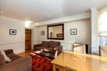 3 bedroom Flat to rent in Avonmore Road, Kensington