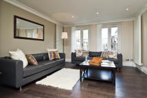 Flat in Holland Park Avenue...