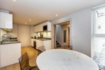 2 bed home in Connaught Place, London