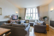 Kingsway Square Flat to rent