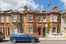 3 bed Terraced house for sale in Ingelow Road, London, SW8