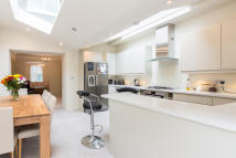 3 bed Terraced home for sale in Broughton Street, London...