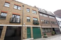 Brownlow Mews Mews to rent