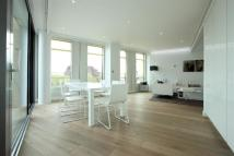 2 bed Apartment in St Giles High Street...