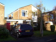 4 bed Link Detached House to rent in Allcard Close, Horsham...