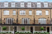 2 bed property in Canning Place Mews...