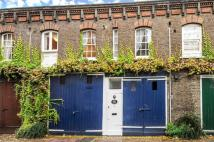 Mews to rent in Lucerne Mews, Kensington