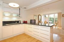 5 bed Flat to rent in Woodsford Square W14