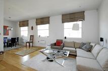 Flat to rent in Eden Close, Kensington...