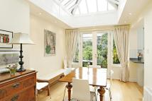 Flat in Norland Square, London