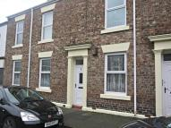 2 bed Ground Flat to rent in William Street...
