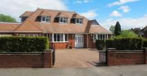 5 bed Detached property to rent in Links Drive, Solihull