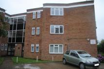 2 bedroom Flat in Avon Road, Upminster