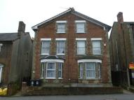 Flat to rent in Woodford road, WATFORD...