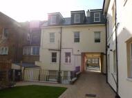 2 bed Ground Flat in Woolrych Court...